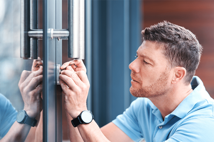 Schlüsseldienst Berlin öffnet Tür